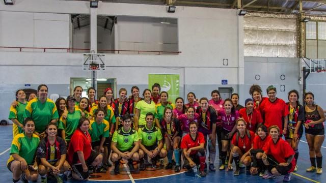 """Con una importante convocatoria, se desarrolló el V Torneo Amistoso de Fútbol """"Día de la Mujer Trabajadora"""""""