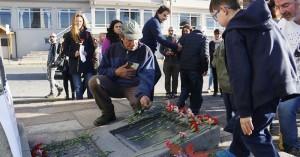 Acto en Bariloche, en conmemoración del 104º Aniversario del Genocidio del pueblo Armenio (Fotografía del Diario El Cordillerano)