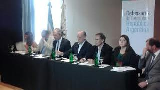 La Asociación de Defensores del Pueblo de la República Argentina (ADPRA), presentó los resultados del trabajo de veedores electorales