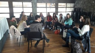 Brindan charlas a candidatas a Embajadora en noviazgos libres de violencia y diversidad