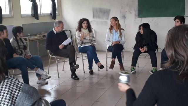 """[En Bariloche] Capacitadores del Ministerio de Justicia de Nación dictarán taller denominado """"Promoviendo espacios de diálogo en la comunidad educativa"""""""