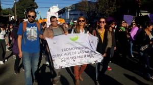 La Defensoría del Pueblo de Bariloche estuvo presente en la marcha por el Día Internacional de la Mujer Trabajadora