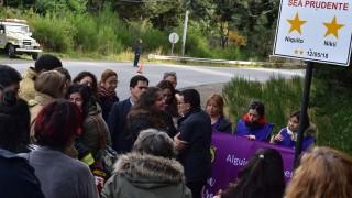 Con estrellas amarillas Bariloche recordó a Nico y Nicole en el aniversario del accidente